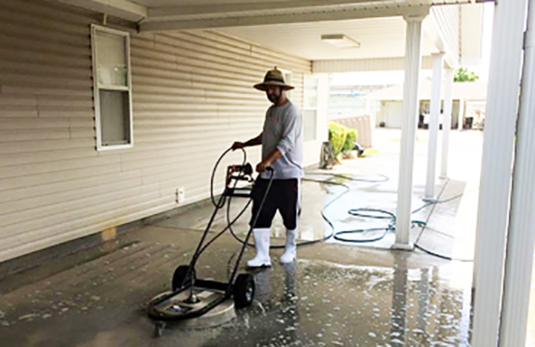 Titan Exterior Services - Lakeview Pressure Washing - Residential & Commercial Pressure Washing - Residential pressure washing, Commercial Building Pressure Washing